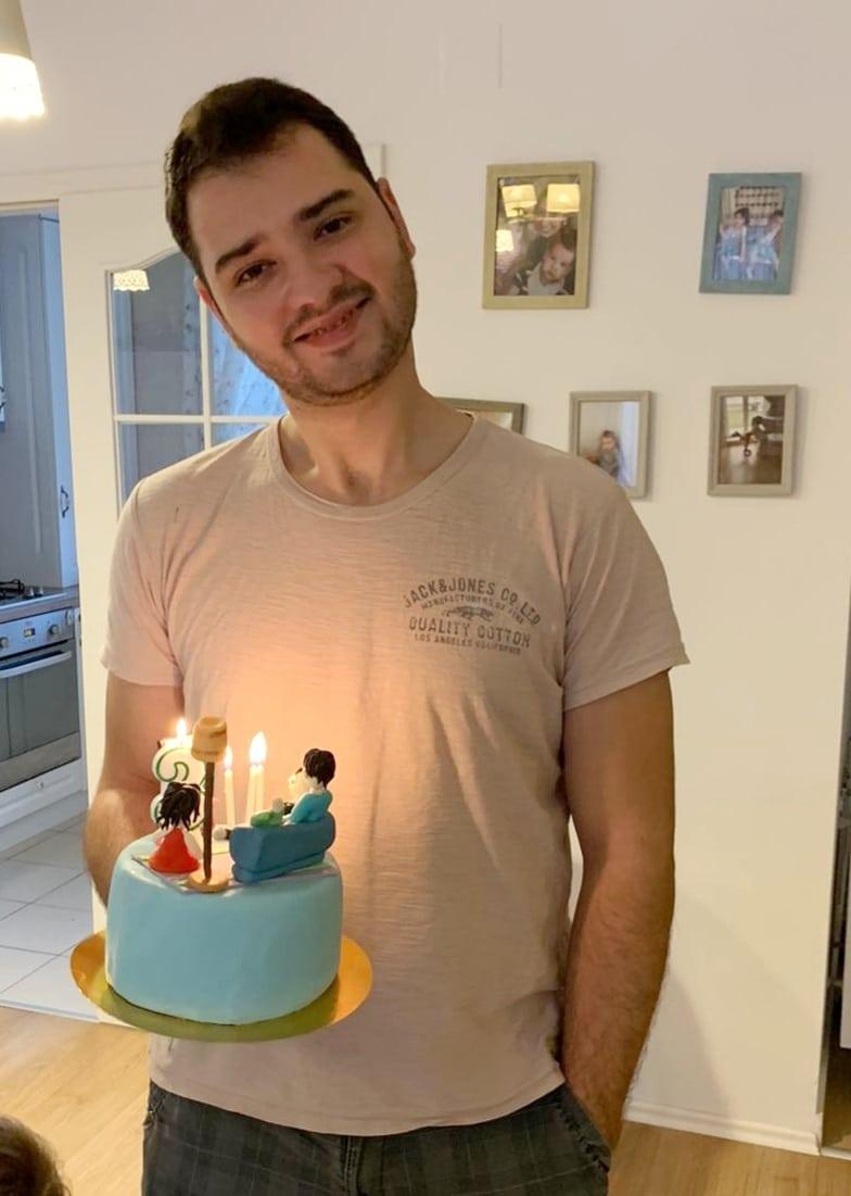 Azi, e ziua lui. La multi ani, minunea mea de om!