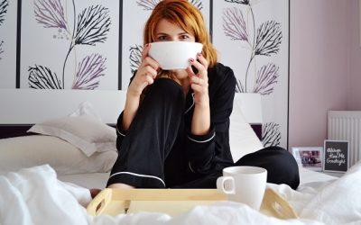 Dilema mamelor racite: cafea cu paracetamol sau ceai cu aspirina?