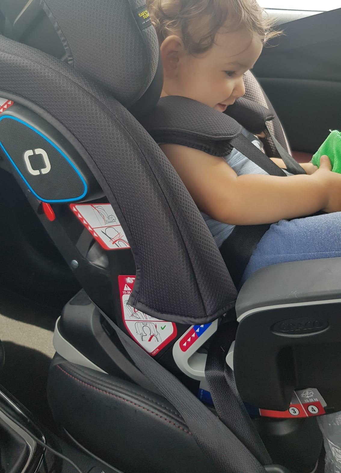 Cum e mai sigur scaunul auto pentru copil: cu isofix sau prins in centuri?