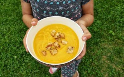 Supă cremă de dovlecel (vegană) și crutoane fără gluten