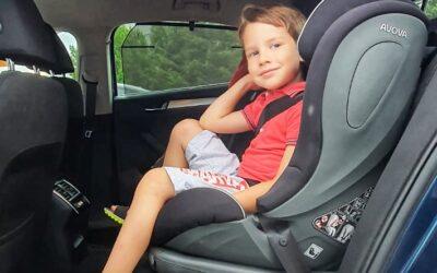 Ce am căutat să aibă înălțătorul de mașină pentru băiatul de 5 ani.